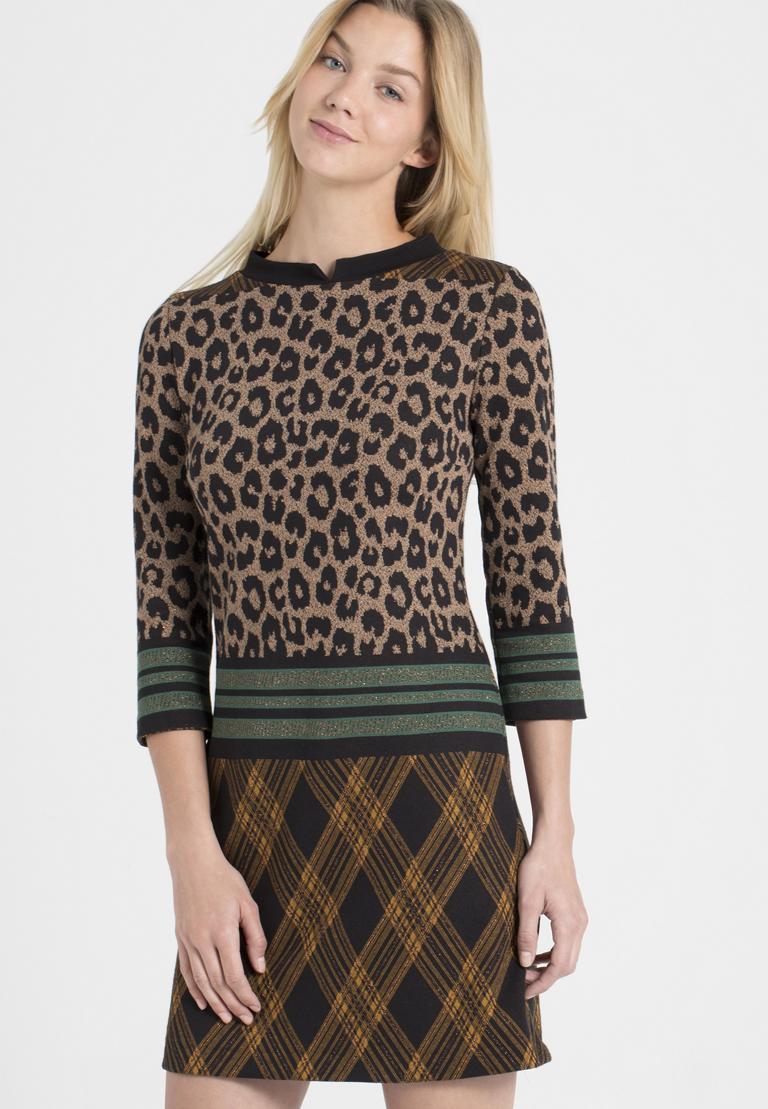 Vorderansicht von Ana Alcazar A-Linien-Kleid Parthys  angezogen an Model