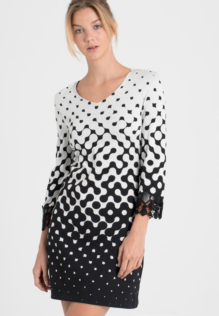 Vorderansicht von Ana Alcazar A-Linien-Kleid Prulana  angezogen an Model
