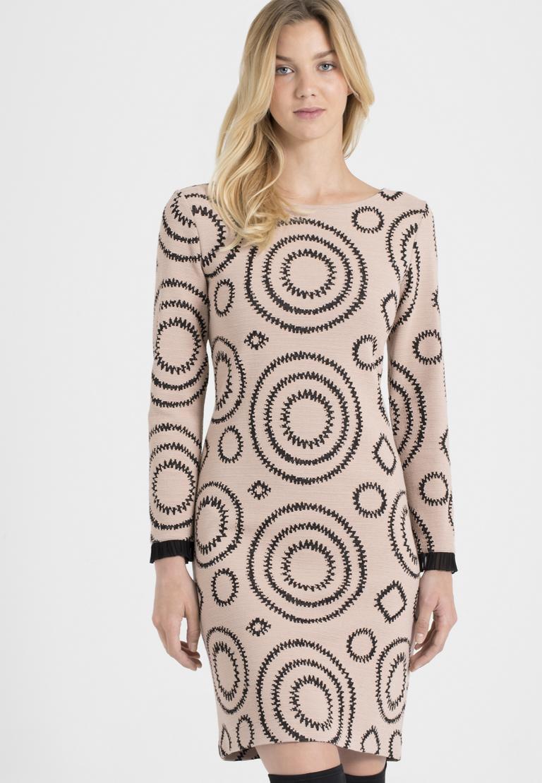 Vorderansicht von Ana Alcazar A-Linien-Kleid Pepati Rose  angezogen an Model