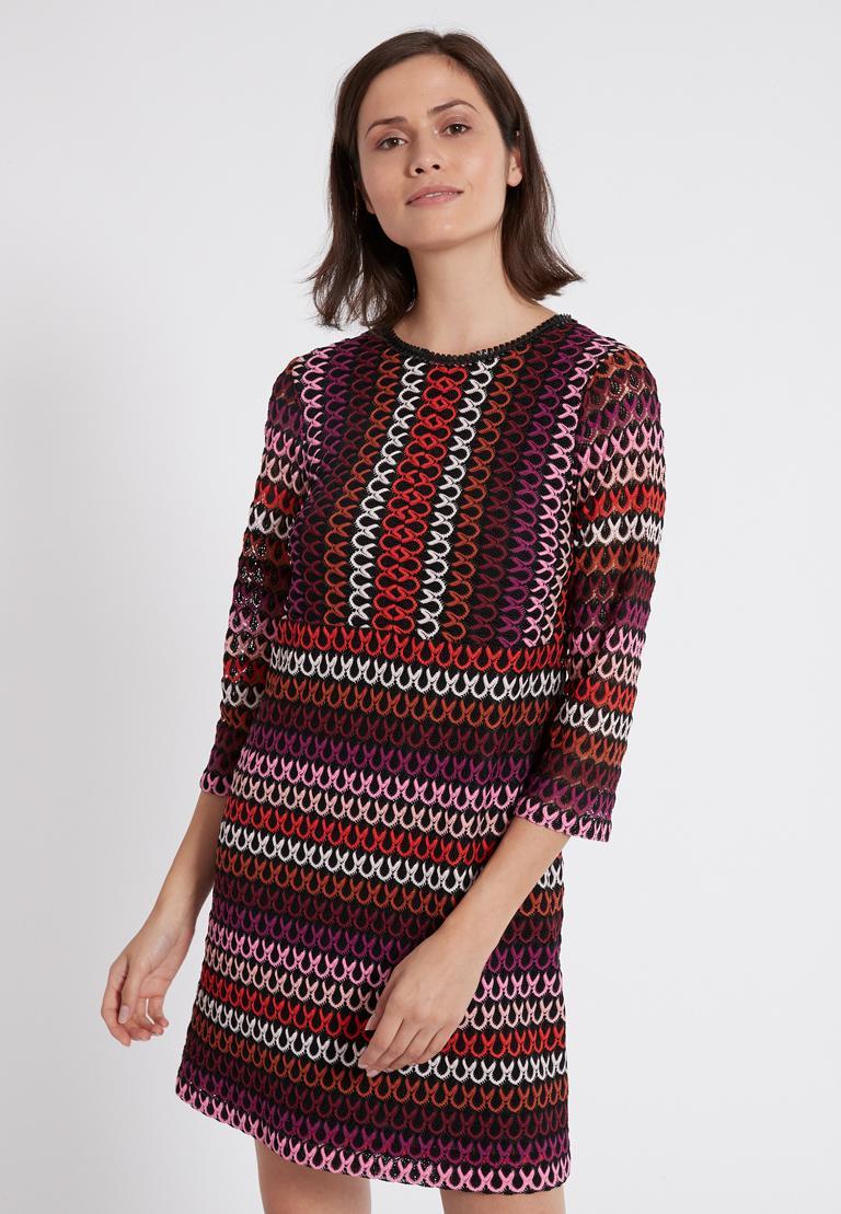 Vorderansicht von Ana Alcazar A-Linien-Kleid Plyrawe Bordeaux  angezogen an Model