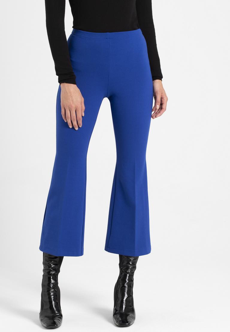 Vorderansicht von Ana Alcazar 7/8-Hose Onilde Blau  angezogen an Model