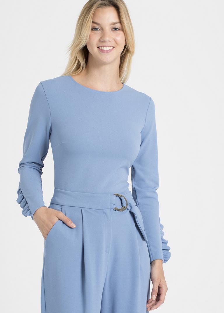 Vorderansicht von Ana Alcazar Sweater Pania Blau  angezogen an Model