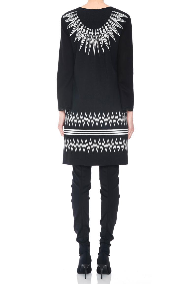 Rückansicht von Ana Alcazar Ärmel Kleid Pollya  angezogen an Model