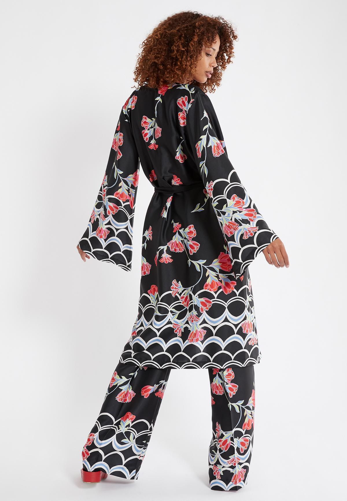 Rückansicht von Ana Alcazar Kimono Sefoma Schwarz  angezogen an Model
