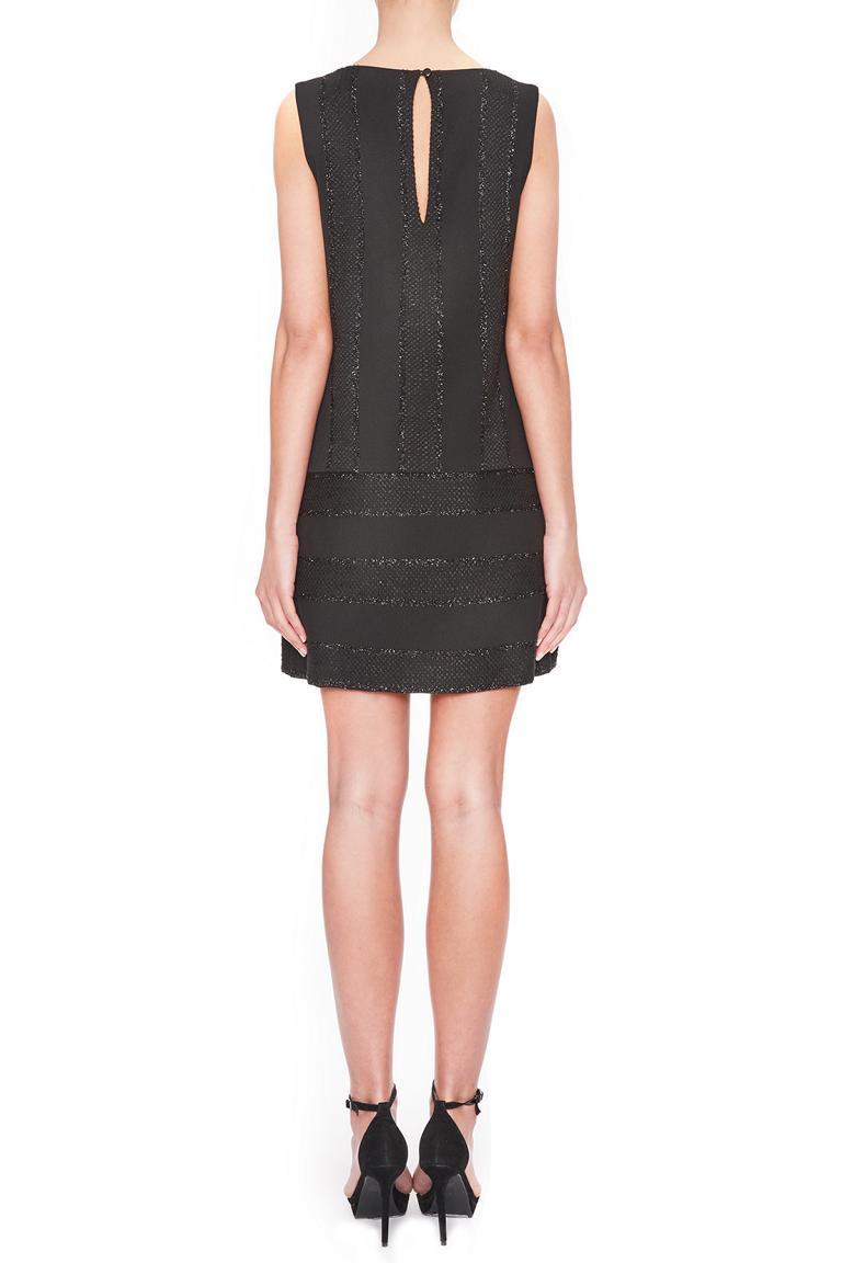 Rückansicht von Ana Alcazar A-Linien Kleid Lacias  angezogen an Model