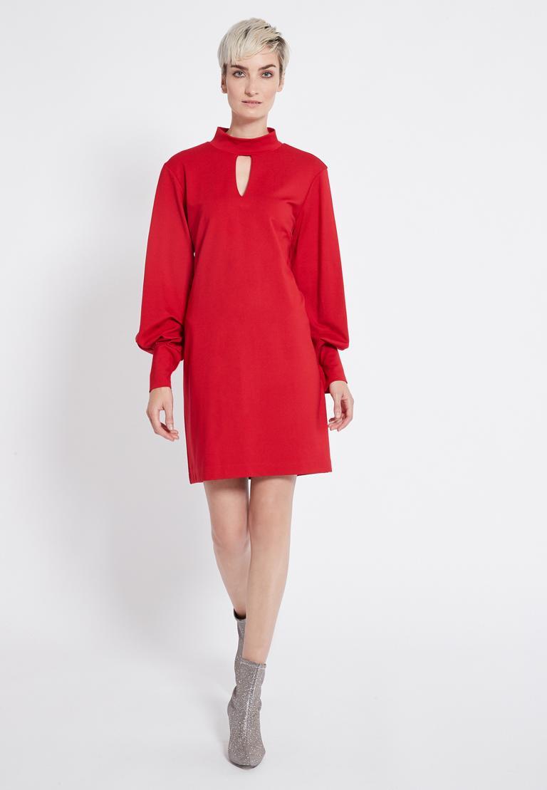 Rückansicht von Ana Alcazar Puffärmel Kleid Resya Schwarz  angezogen an Model