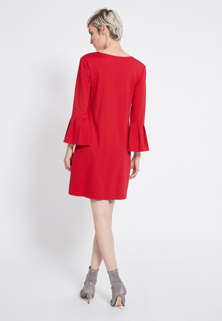 Rückansicht von Ana Alcazar Volantärmel Kleid Rasyea Rot  angezogen an Model