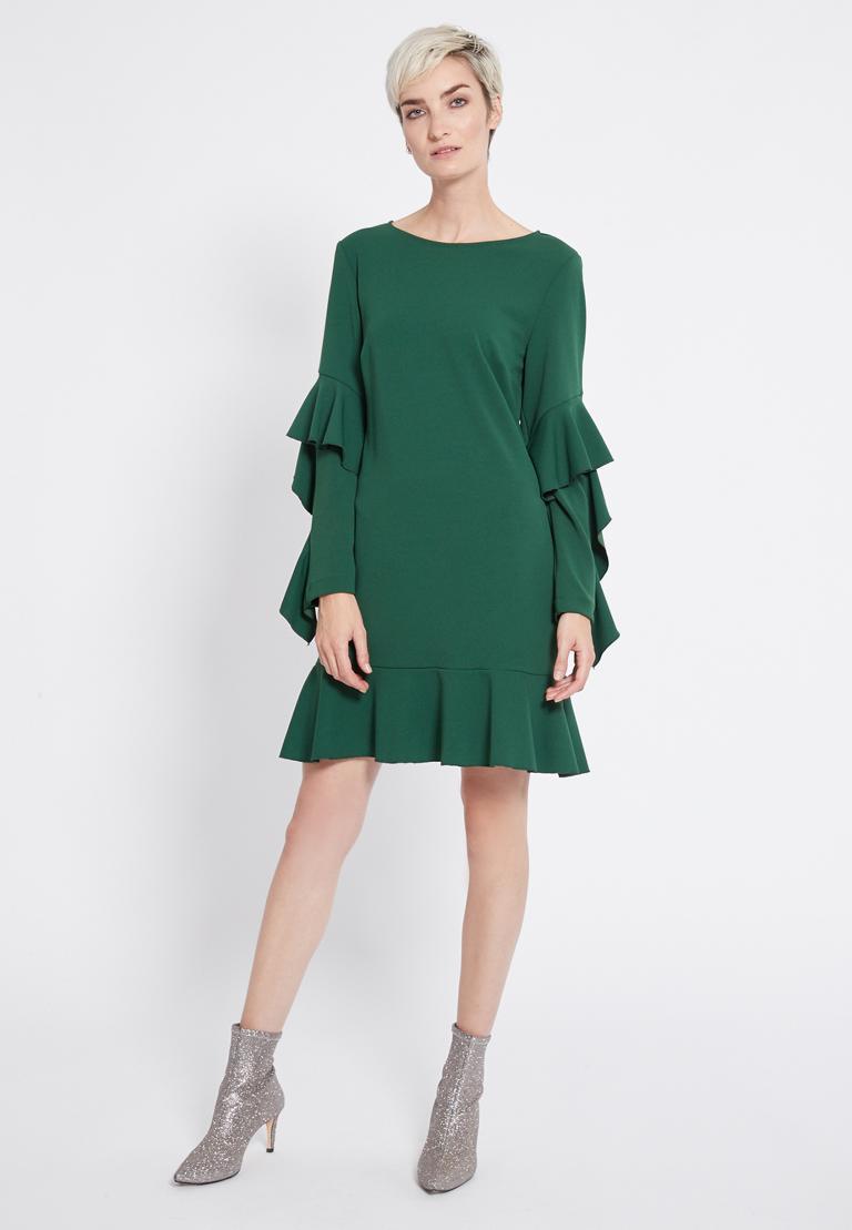 Rückansicht von Ana Alcazar Volantärmel Kleid Romy Schwarz  angezogen an Model