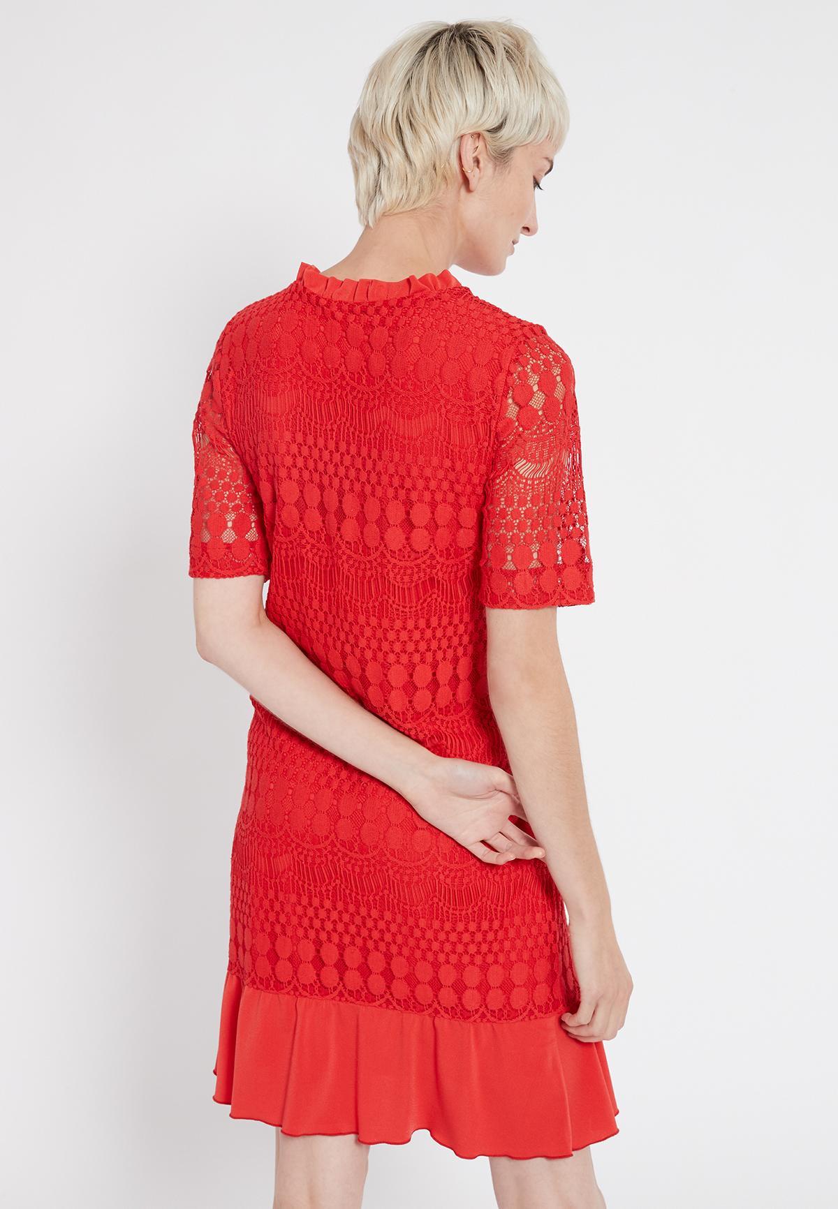 Rückansicht von Ana Alcazar Kurzarmkleid Santyle Rot  angezogen an Model