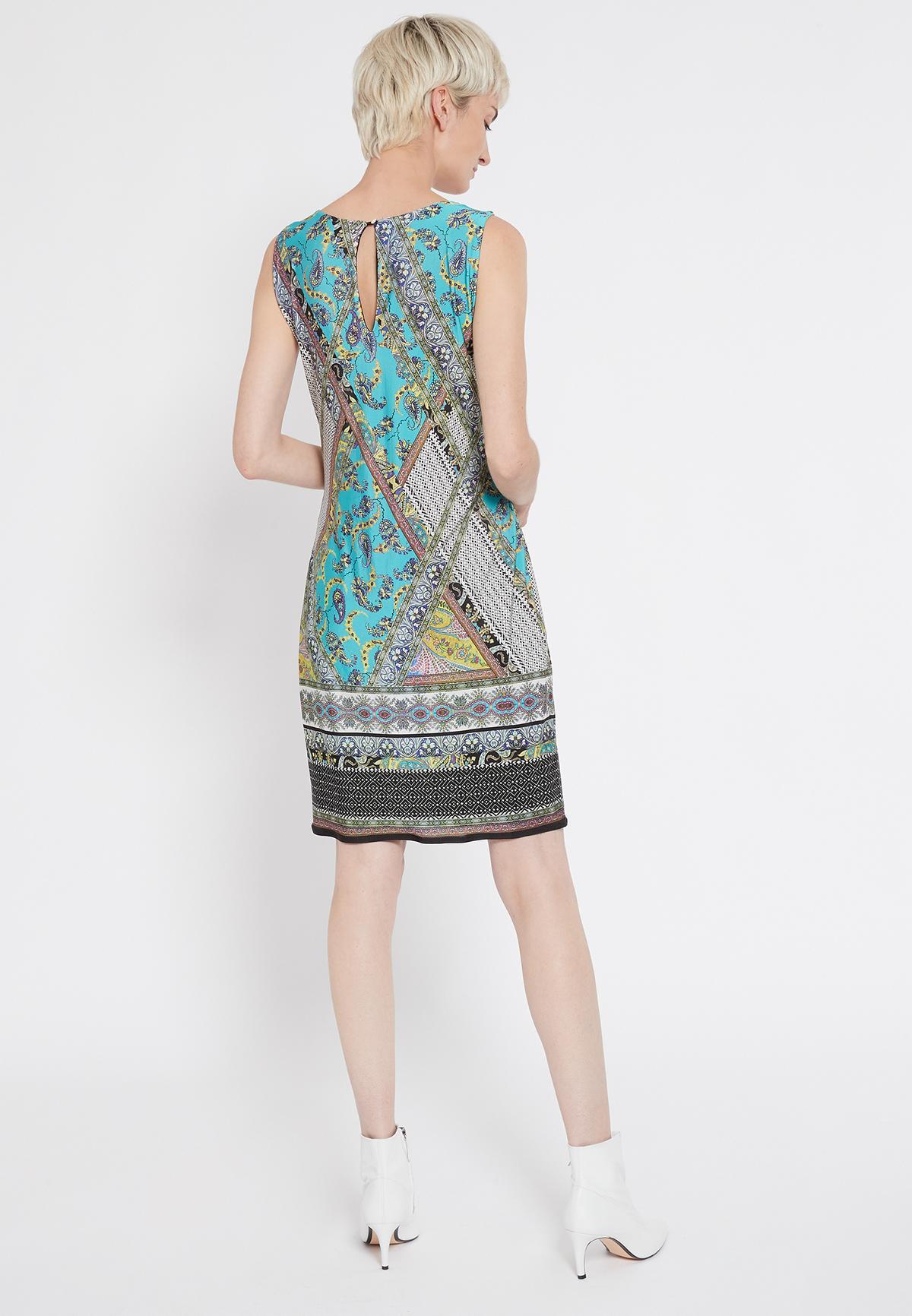 Rückansicht von Ana Alcazar Ärmelloses Kleid Setane  angezogen an Model