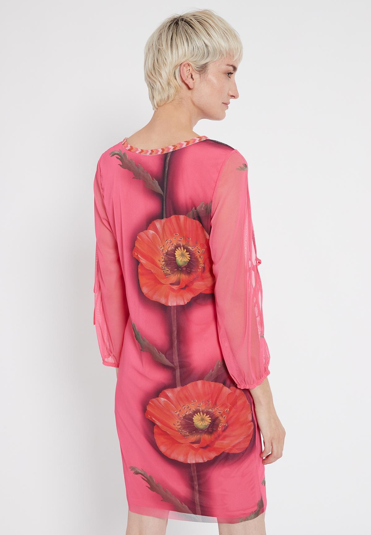 Rückansicht von Ana Alcazar Deko Kleid Siamote  angezogen an Model