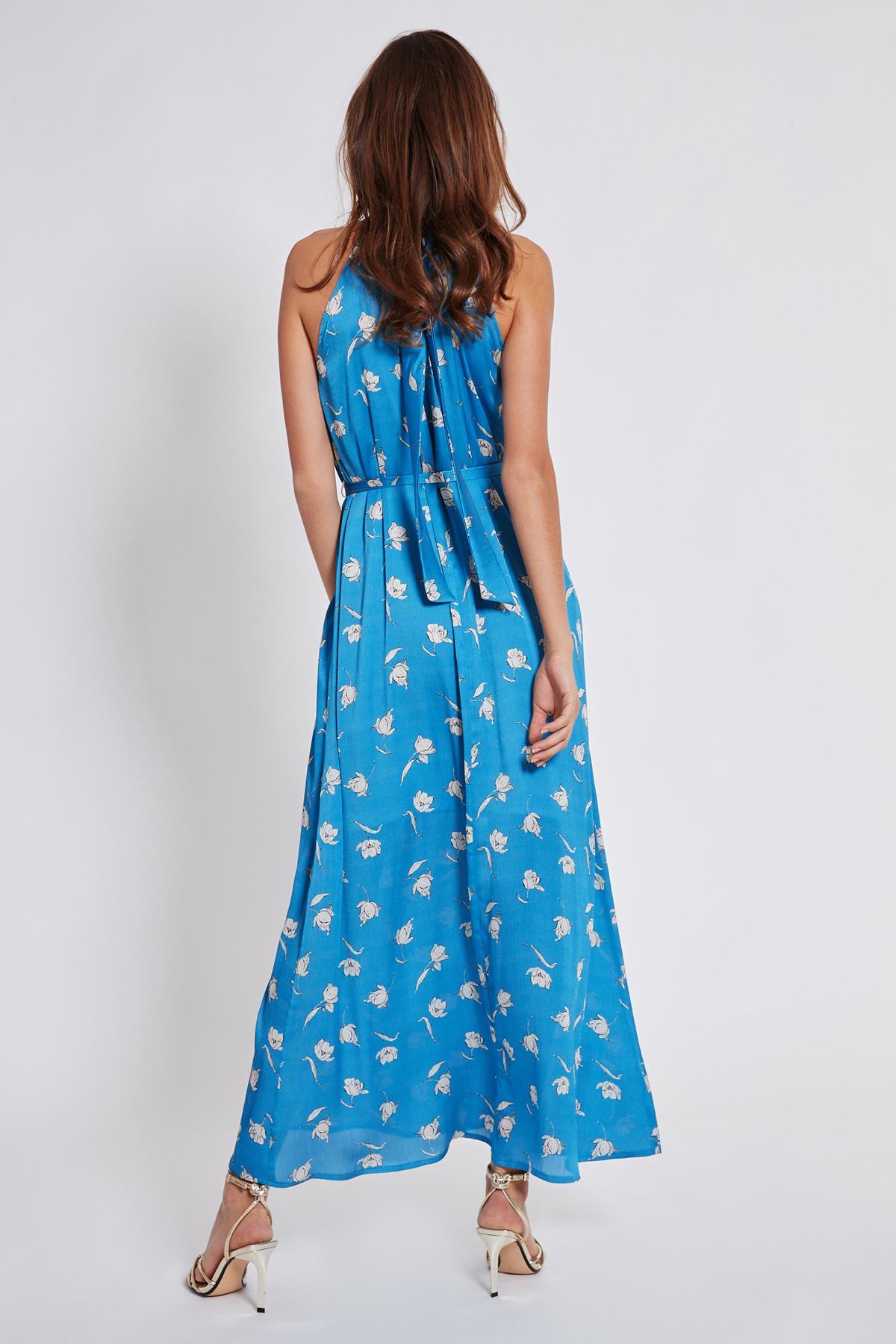 Rückansicht von Ana Alcazar Maxi Kleid Tarpis  angezogen an Model