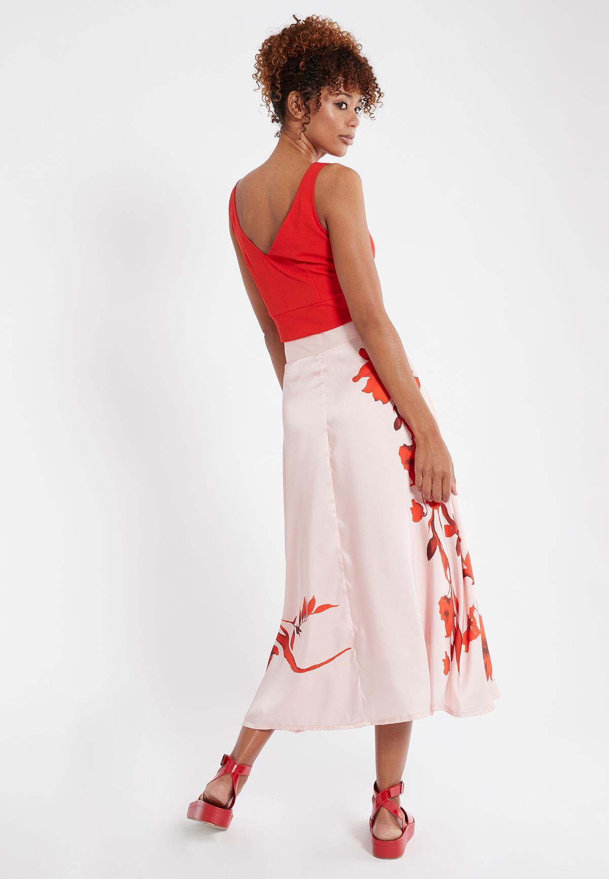 Rückansicht von Ana Alcazar Rock Senrose  angezogen an Model
