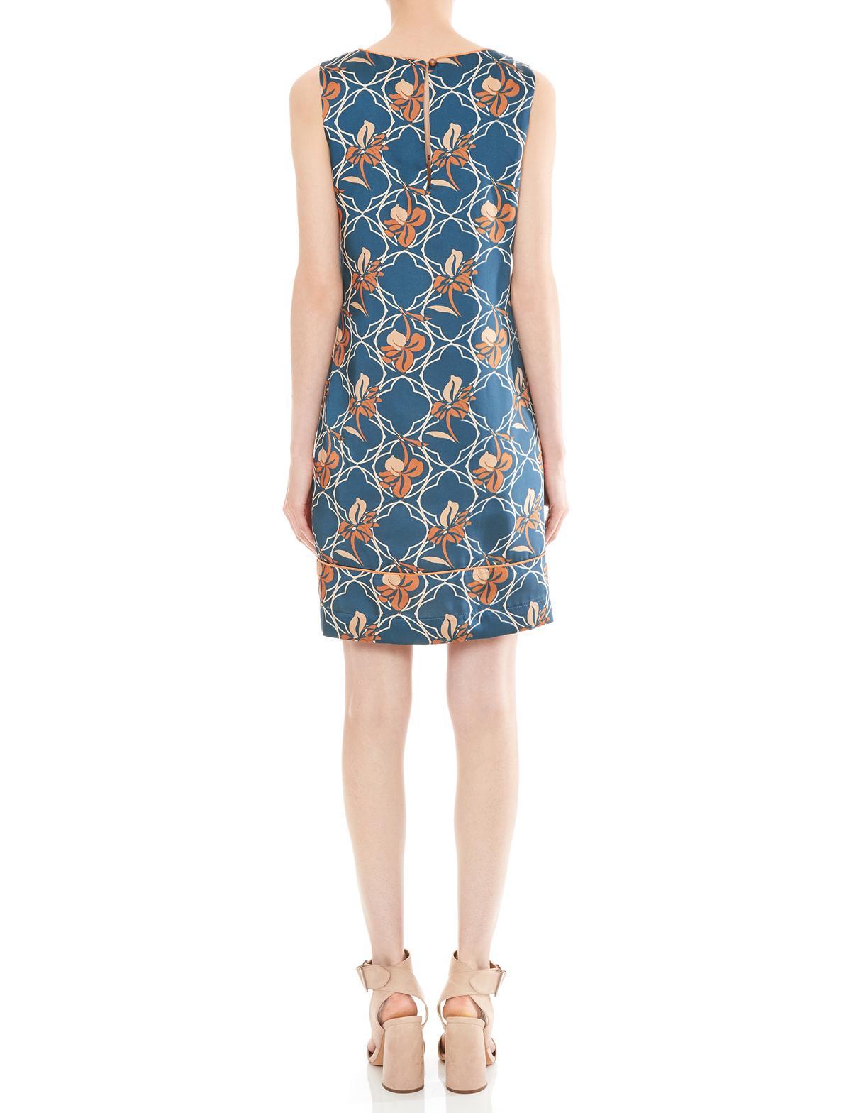 Rückansicht von Ana Alcazar A-Linien Kleid Manexia  angezogen an Model