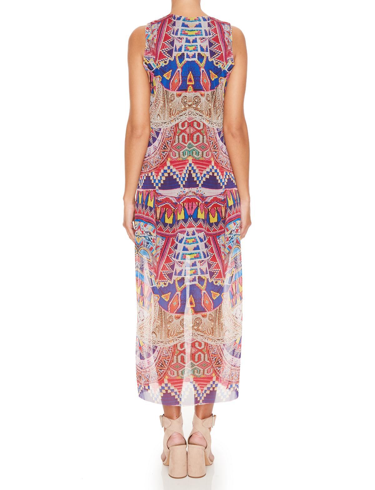 Rückansicht von Ana Alcazar Maxi Kleid Melibenas  angezogen an Model