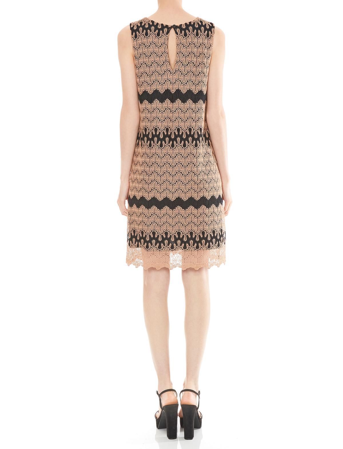 Rückansicht von Ana Alcazar A-Linien Kleid Mashkalya  angezogen an Model