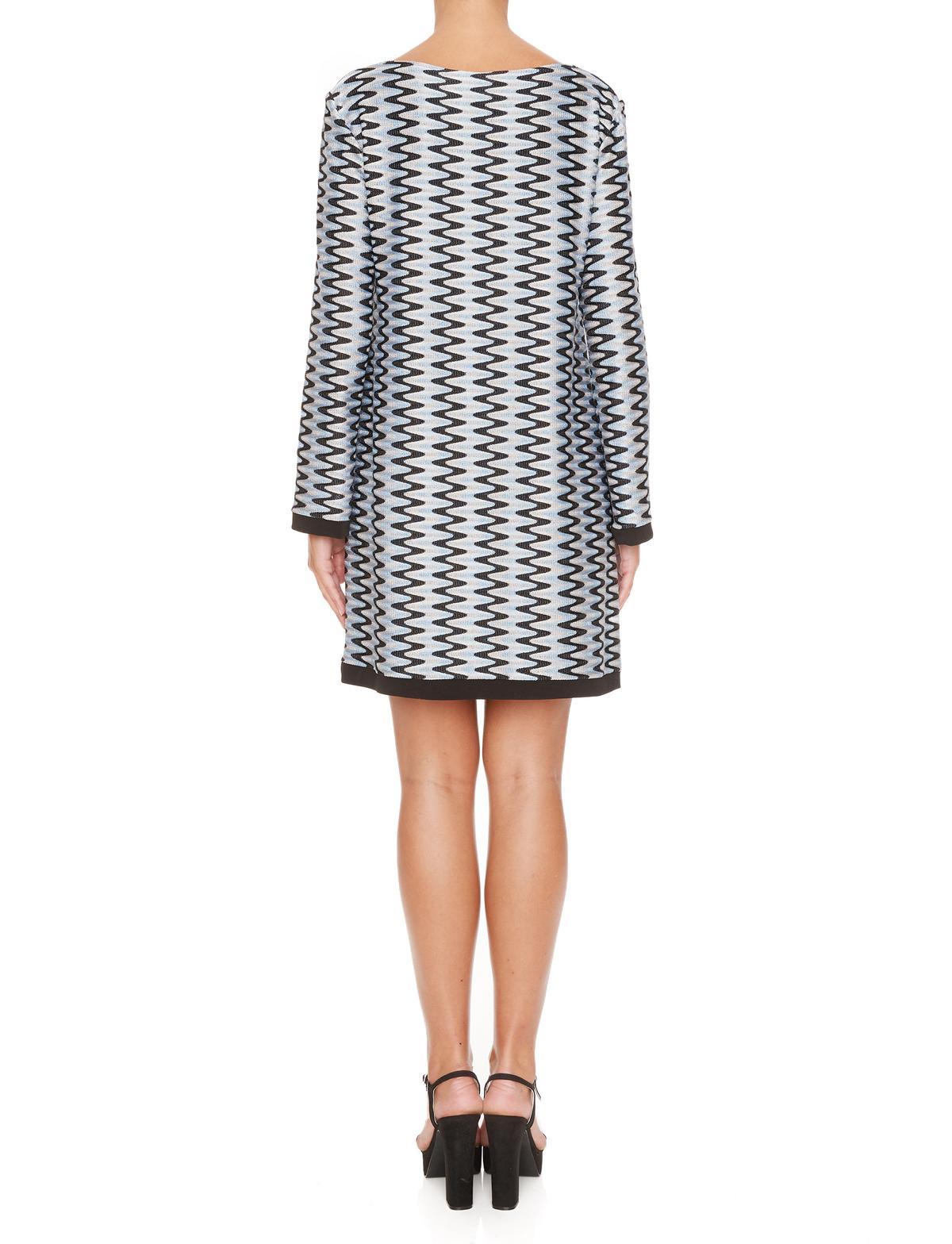 Rückansicht von Ana Alcazar Tunika Kleid Mailysa  angezogen an Model
