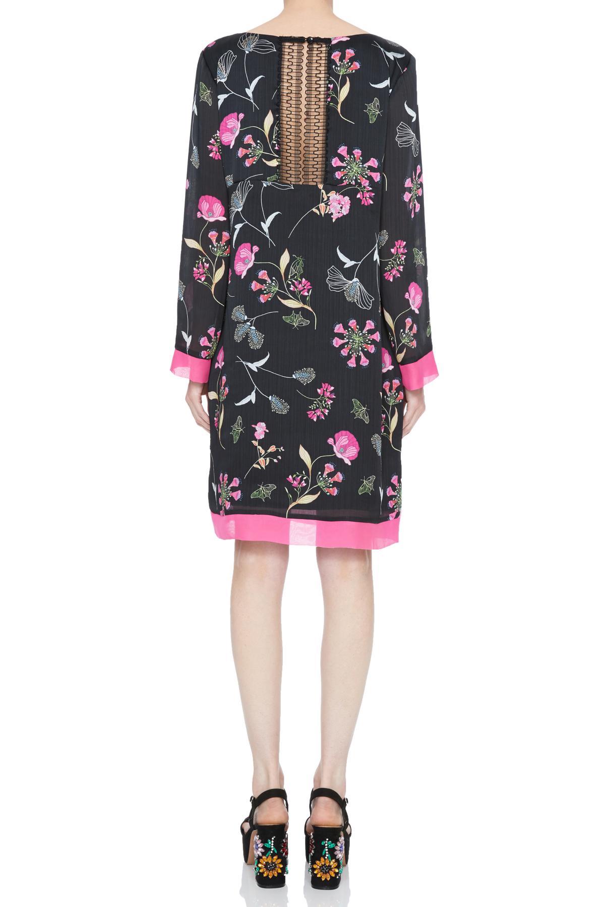 Rückansicht von Ana Alcazar Tunika Kleid Nissa  angezogen an Model