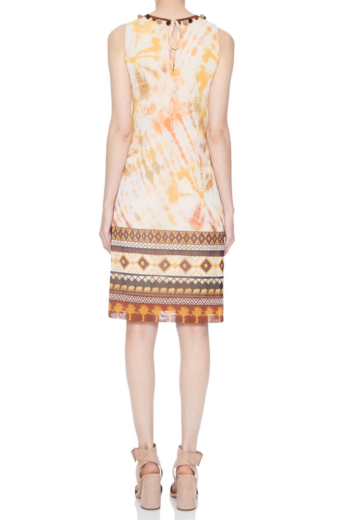 Rückansicht von Ana Alcazar A-Linien Kleid Nanuk  angezogen an Model