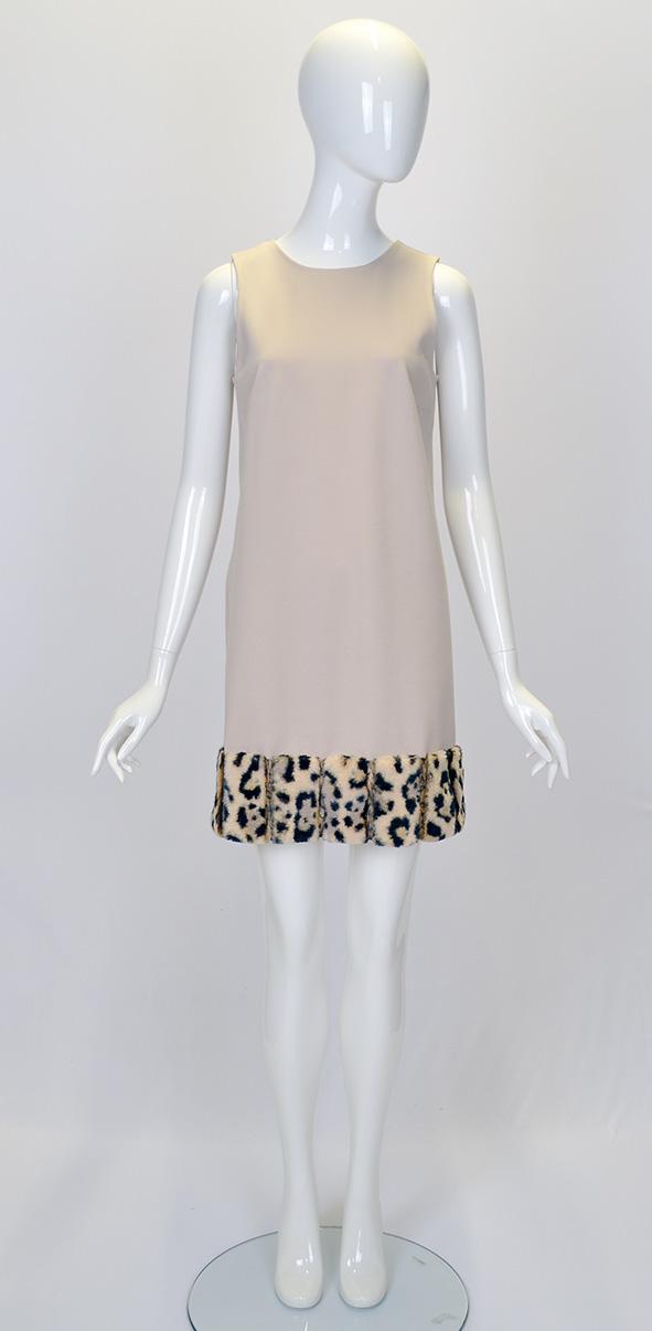 Rückansicht von Ana Alcazar A-Linien Kleid Dobeoris  angezogen an Model
