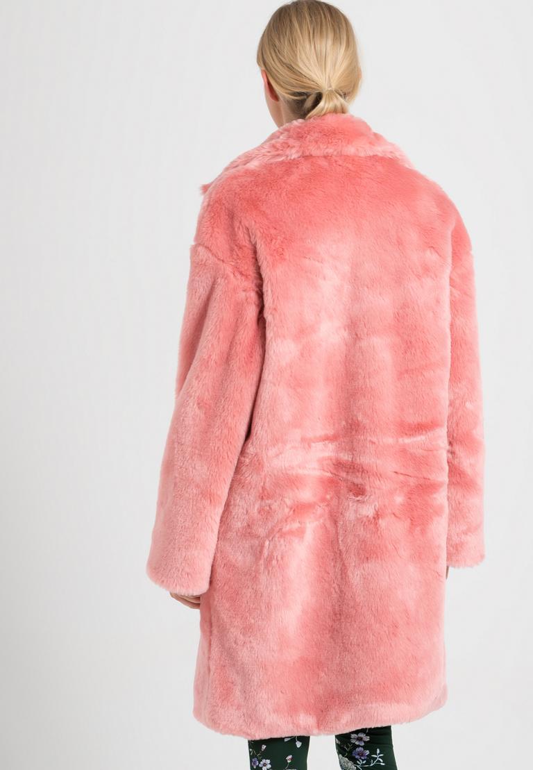 Rückansicht von Ana Alcazar Fake Fur Mantel Oriani Rose  angezogen an Model
