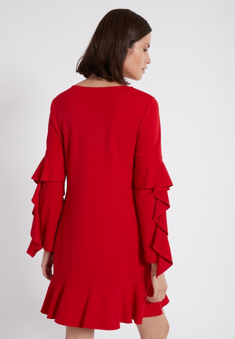 Rückansicht von Ana Alcazar Volantärmel-Kleid Philie Rot  angezogen an Model