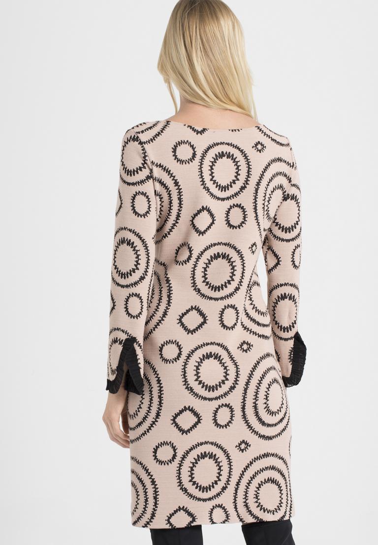 Rückansicht von Ana Alcazar A-Linien-Kleid Pepati Rose  angezogen an Model