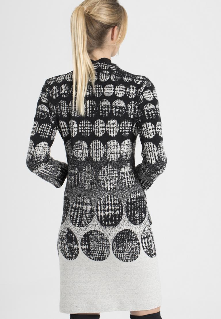 Rückansicht von Ana Alcazar Schluppen Kleid Petresy  angezogen an Model