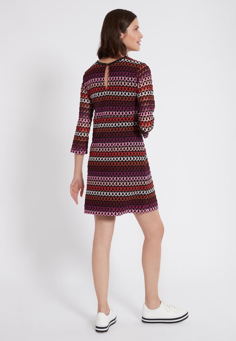 Rückansicht von Ana Alcazar A-Linien-Kleid Plyrawe Bordeaux  angezogen an Model