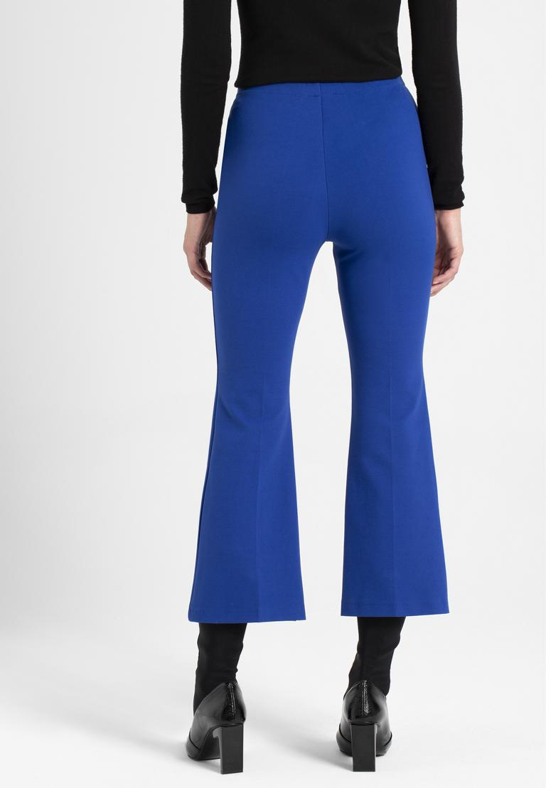 Rückansicht von Ana Alcazar 7/8-Hose Onilde Blau  angezogen an Model