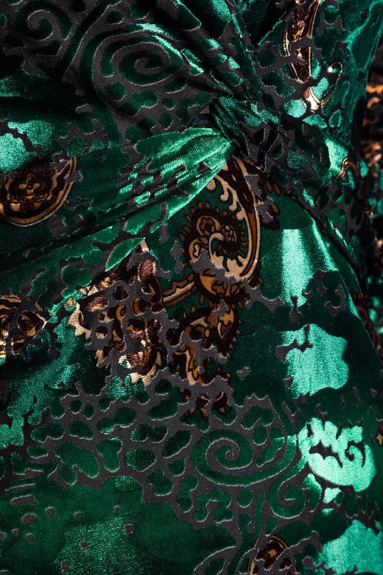 Detailansicht von Ana Alcazar Samt Wickelkleid Laja