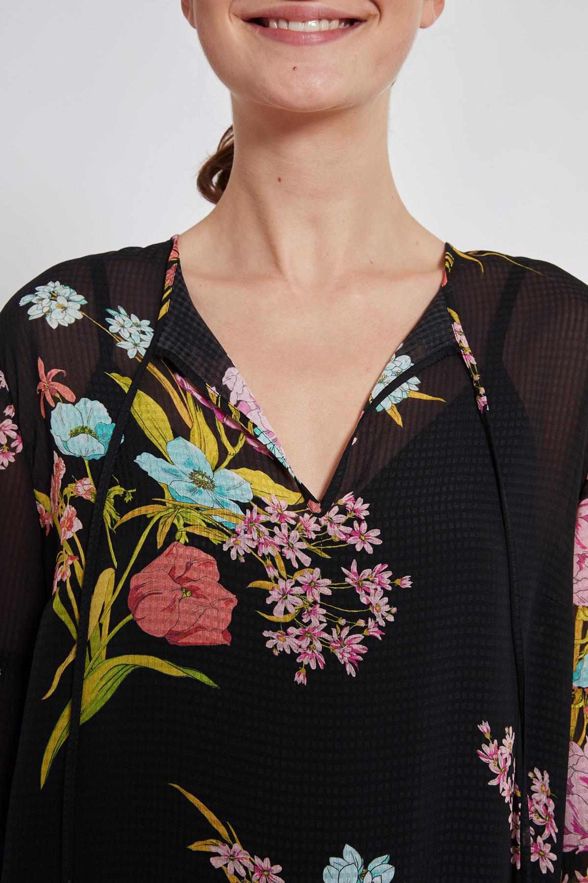 Detailansicht von Ana Alcazar Romantik Kleid Tamyde