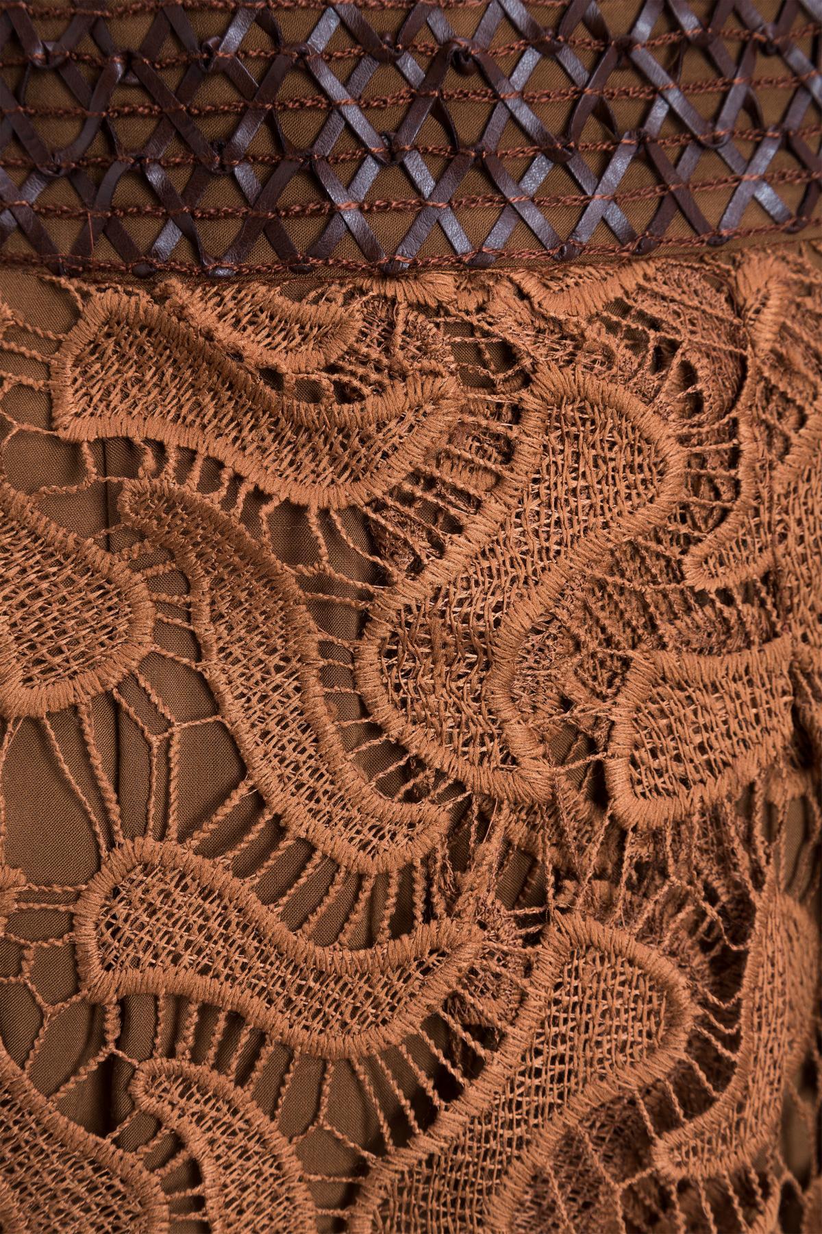Detailansicht von Ana Alcazar Rock Mabouny