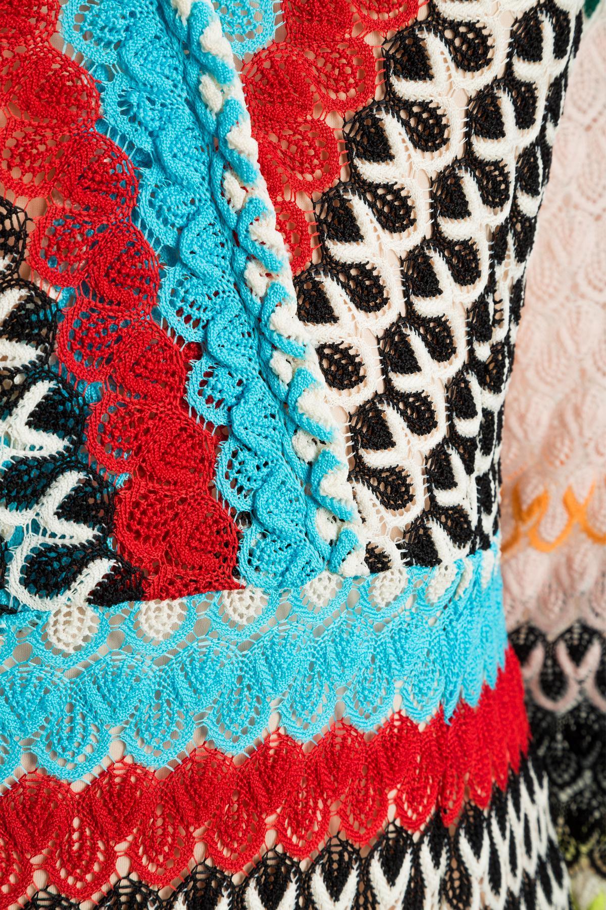 Detailansicht von Ana Alcazar Empire Kleid Mimikena