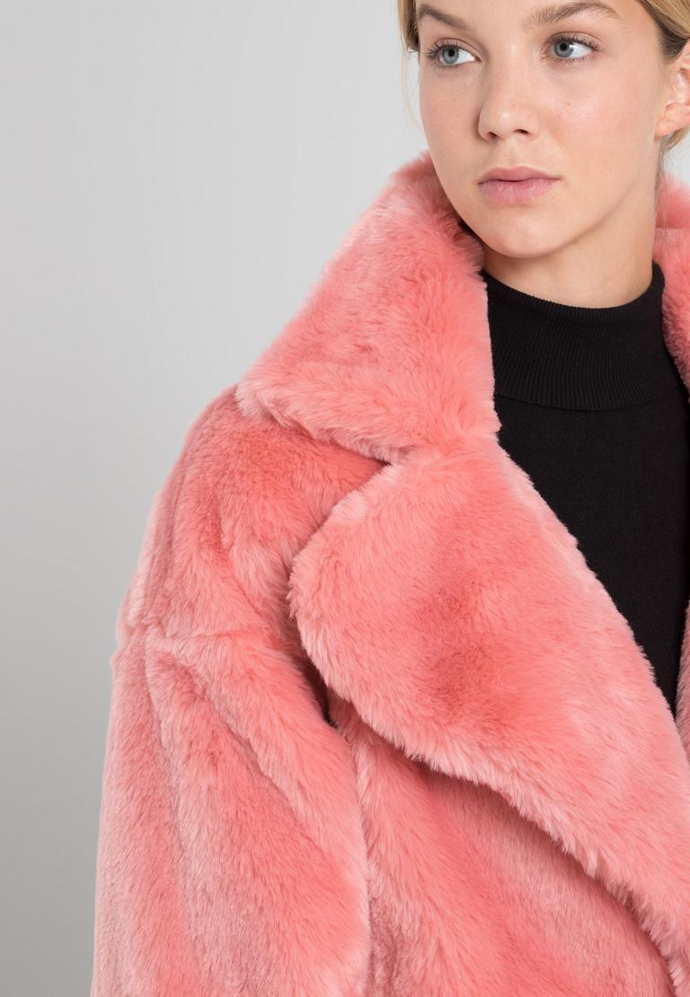 Detailansicht von Ana Alcazar Fake Fur Mantel Oriani Rose