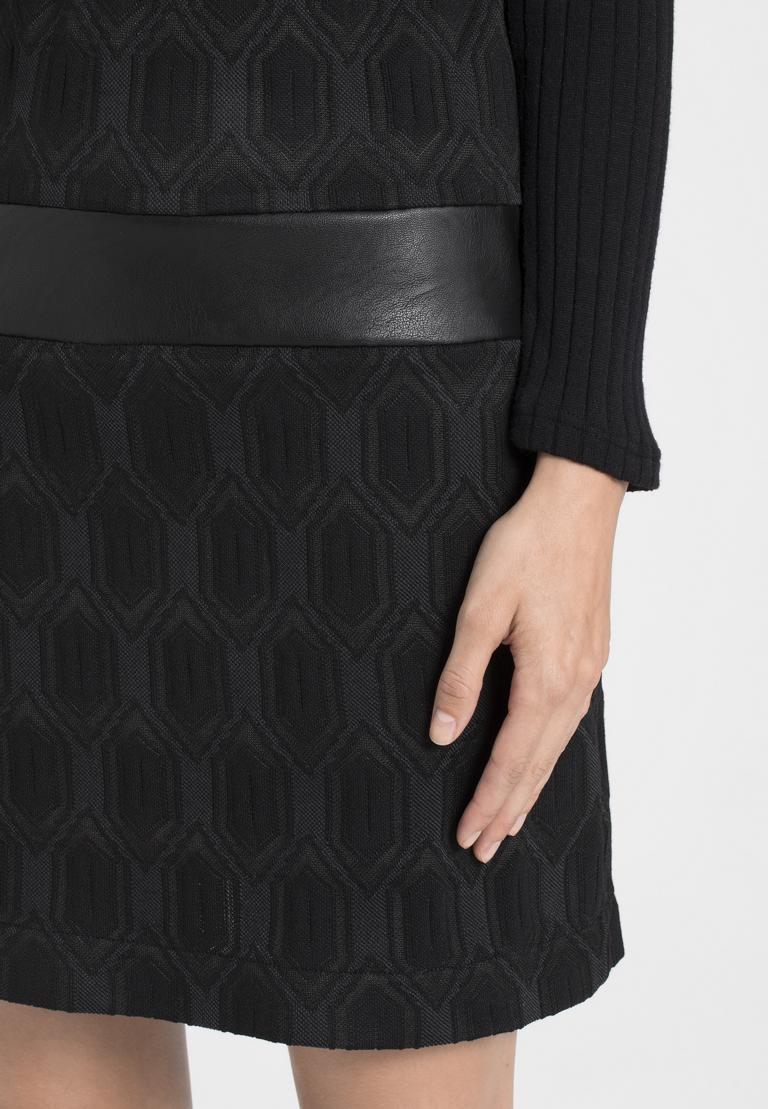 Detailansicht von Ana Alcazar Sixties Kleid Omkaya Schwarz